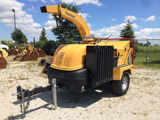 2014 Vermeer BC1500 Chipper-Hand Fed