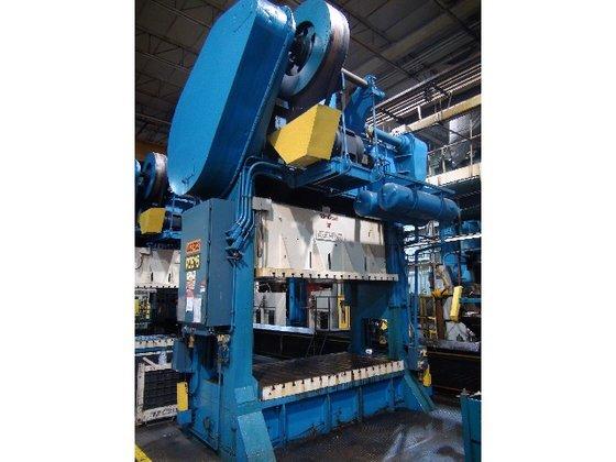 """300 ton USI Clearing 108""""x54"""""""