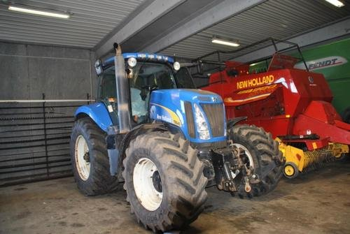 2006 New Holland T 8040