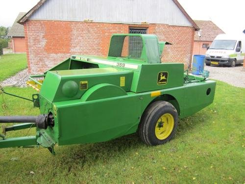 John Deere JD 359 in