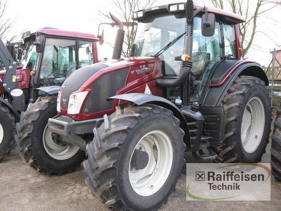 2013 Valtra N143 HiTech in