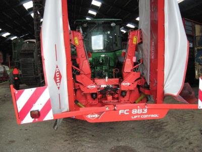 Kuhn FC 883 in Suldrup,