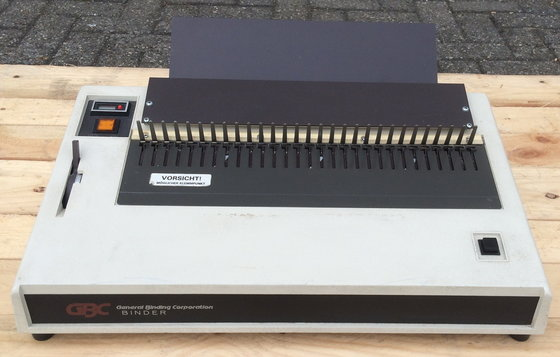 GBC 110EB-2 Electric binder for