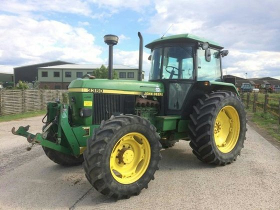 1990 JOHN DEERE 3350 Fitted