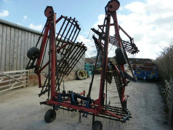 IMBOCK 12 METRE GRASS HARROWS