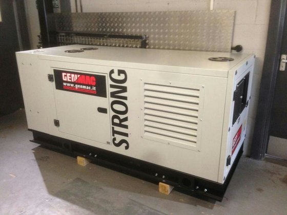 2016 GENMAC STRONG G30PSA 33