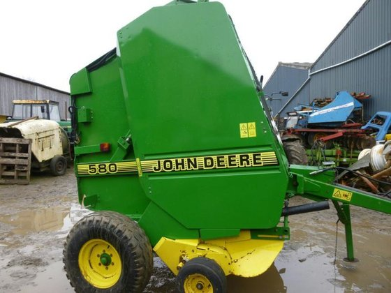 JD 580 WIDE PICK UP