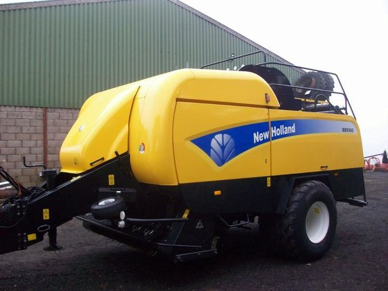 2012 NEW HOLLAND BB9060 Square
