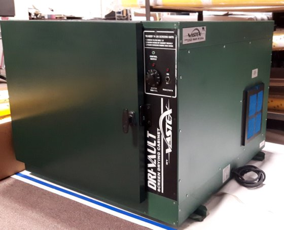 Vastex Dri vault screen drying cabinet in Montreal, Québec, Canada