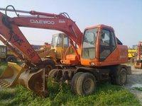 Daewoo DH130 Excavator in Shanghai,