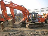2000 Hitachi EX200-5 Excavator in