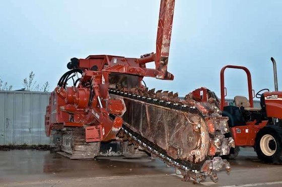 2009 Ditch Witch HT220 Trenchers