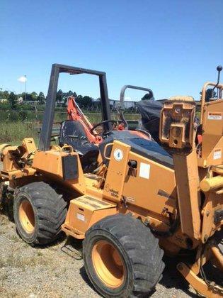 2003 Case 560 Vibratory plows