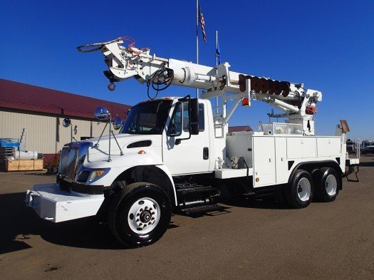 2005 INTERNATIONAL 7500 TEREX TELELECT