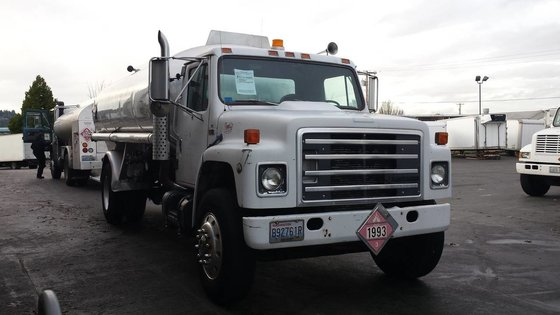 1989 INTERNATIONAL S1954 TANKER TRUCK