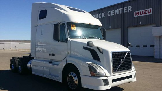2013 VOLVO VNL CONVENTIONAL -