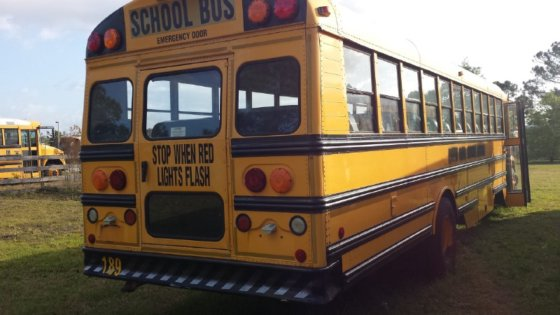 2003 FREIGHTLINER FS-65 Bus in