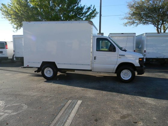 2011 FORD E-SERIES BOX TRUCK