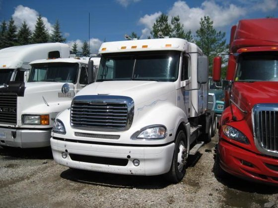 2009 FREIGHTLINER COLUMBIA CONVENTIONAL -