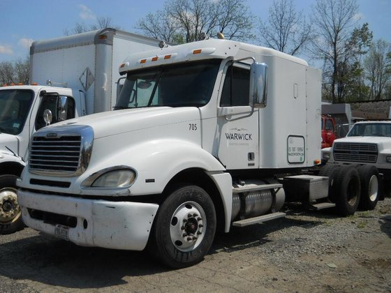 2007 FREIGHTLINER COLUMBIA CONVENTIONAL -