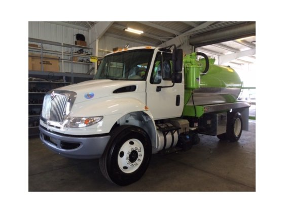 2017 INTERNATIONAL 4300 SEPTIC in