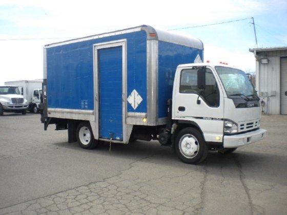 2007 ISUZU NQR BOX TRUCK