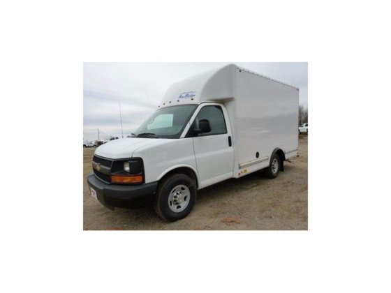 2015 CHEVROLET EXPRESS Box truck