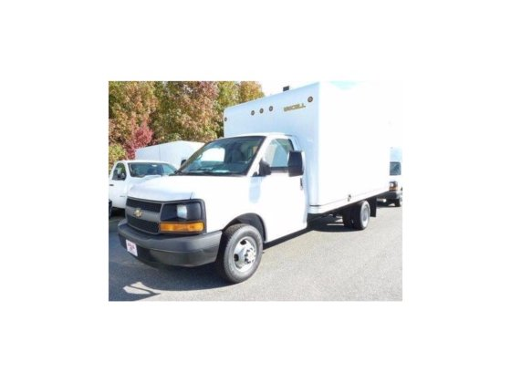 2015 CHEVROLET EXPRESS BOX TRUCK
