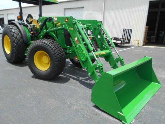 JOHN DEERE 5100M Tractors in