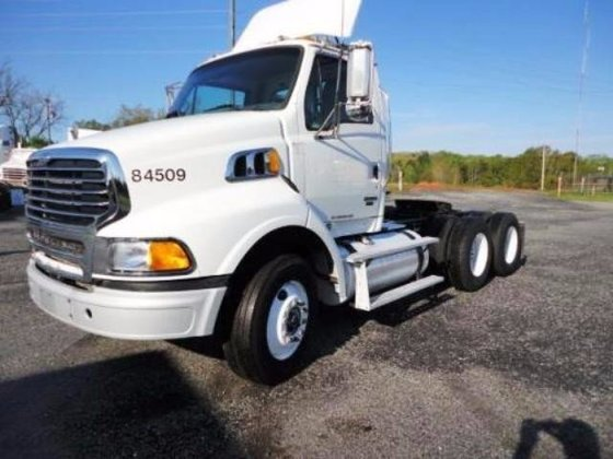 2008 STERLING AT9500 Conventional -