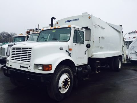1998 INTERNATIONAL 4700 GARBAGE TRUCK