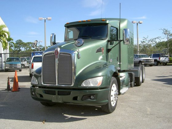 2010 KENWORTH T660 Conventional -