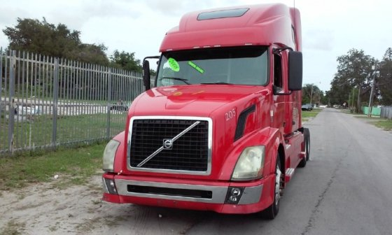 2008 VOLVO VNL64T780 CONVENTIONAL -