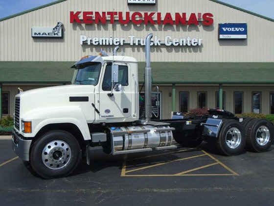 2016 MACK PINNACLE CONVENTIONAL -