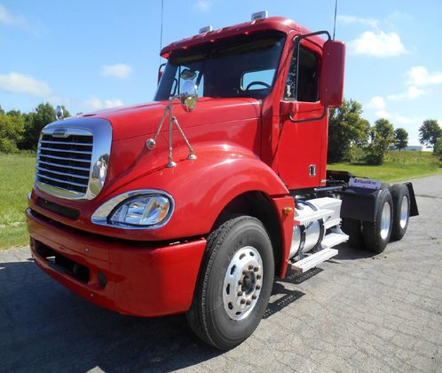 2006 FREIGHTLINER COLUMBIA CONVENTIONAL -