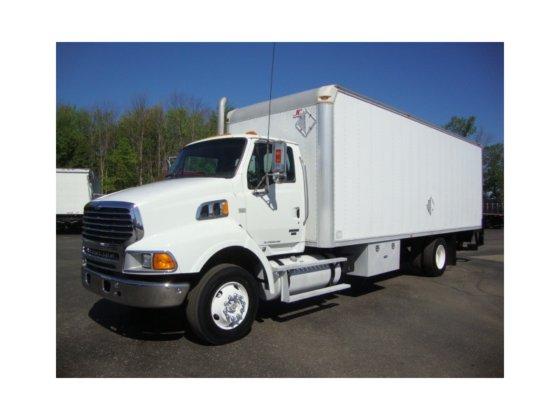2008 STERLING L9500 Box truck