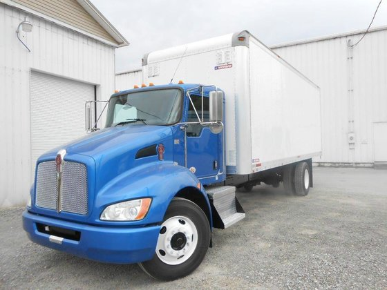 2011 KENWORTH T270 BOX TRUCK