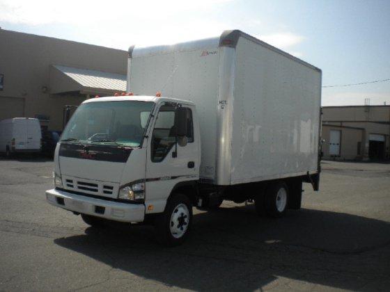 2007 ISUZU NRR Box truck
