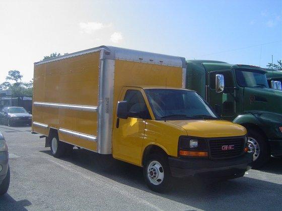 2011 GMC G3500 Box truck
