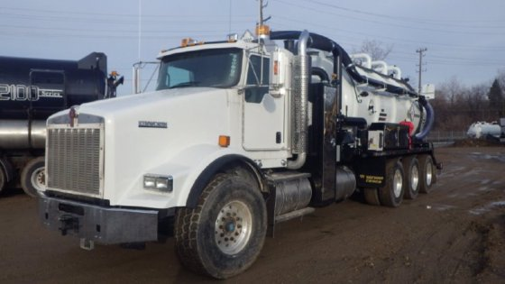 2014 CUSCO VACUUM TRUCK in