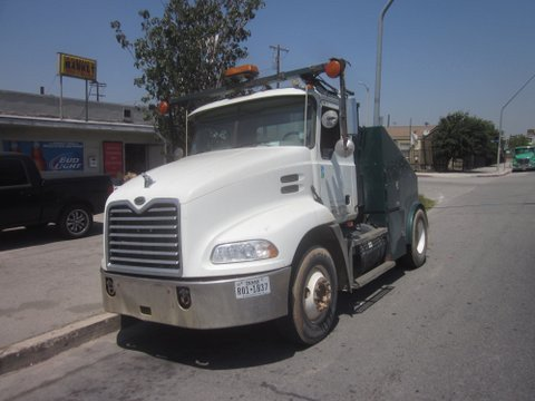 2007 MACK CX613 CONVENTIONAL -