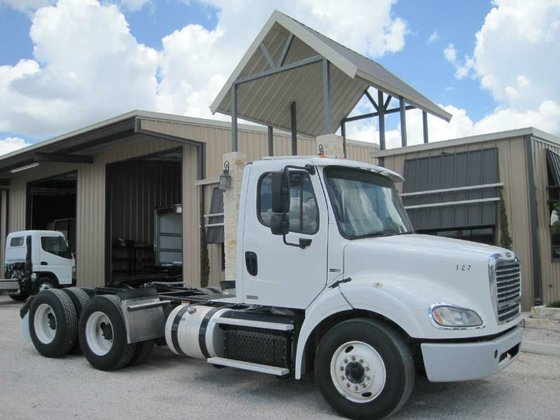 2012 FREIGHTLINER M2 112 CONVENTIONAL