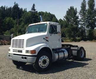 2002 INTERNATIONAL 8100 CONVENTIONAL -