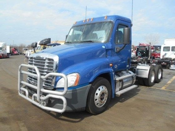 2012 FREIGHTLINER CASCADIA CONVENTIONAL -
