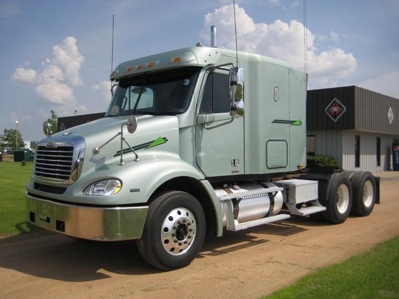 2006 FREIGHTLINER COLUMBIA 120 CONVENTIONAL