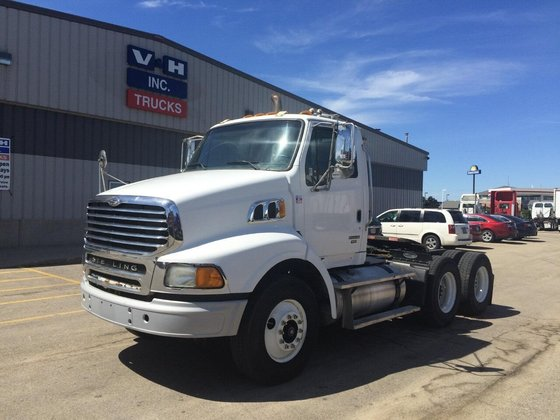 2009 STERLING AT9513 CONVENTIONAL -