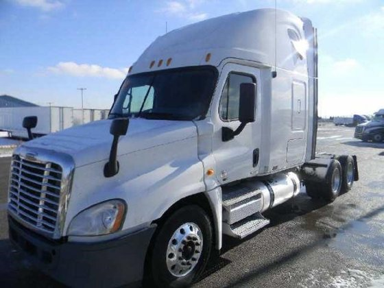 2011 FREIGHTLINER CASCADIA Conventional -
