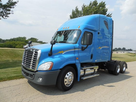 2010 FREIGHTLINER CASCADIA Conventional -