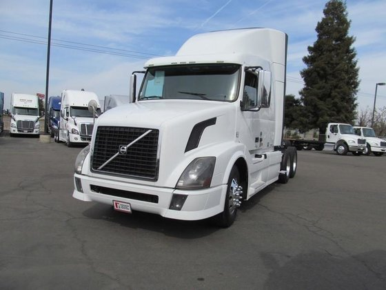 2012 VOLVO VNL CONVENTIONAL -