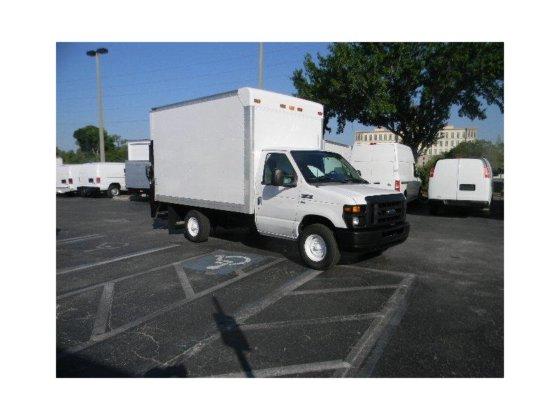 2011 FORD E-SERIES BOX TRUCK